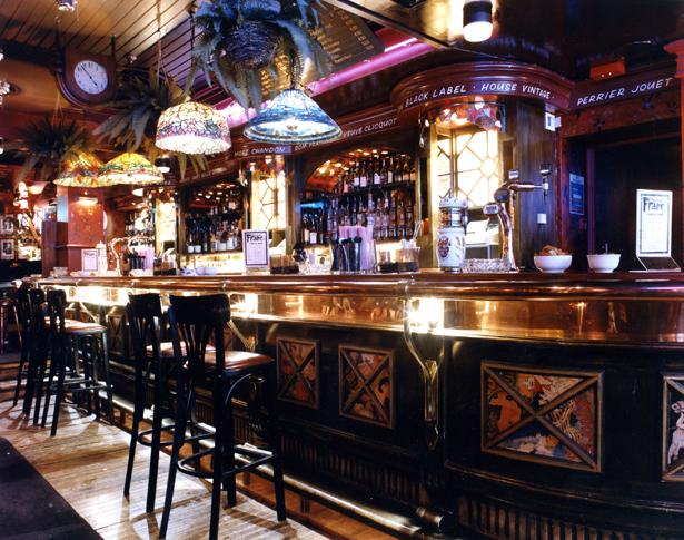 Franks Bar internal Bar