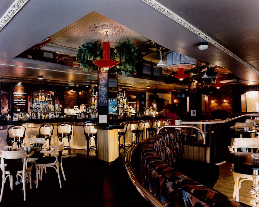 Slap Harry's Bar